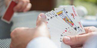 kartenspiel hand